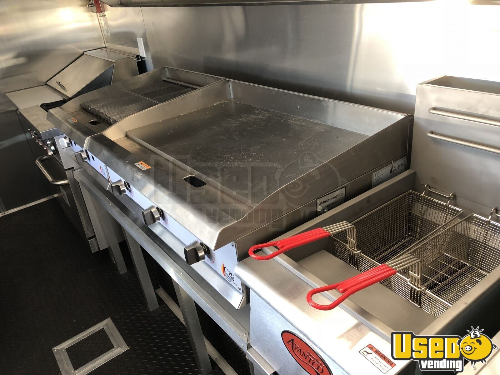 2005 Ford F450 Mobile Kitchen Food Truck for Sale in Florida- NEW KITCHEN - 24