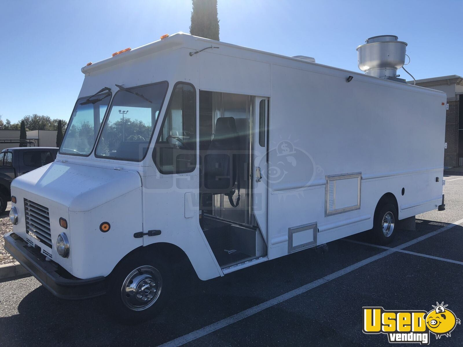 2005 Ford F450 Mobile Kitchen Food Truck for Sale in Florida- NEW KITCHEN - 2