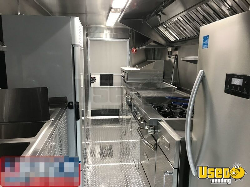 14' Frieghtliner Mobile Kitchen Food Truck for Sale in Florida - 6