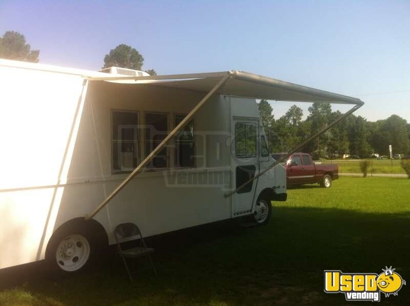 georgia chevrolet p30 food truck mobile kitchen for sale. Black Bedroom Furniture Sets. Home Design Ideas