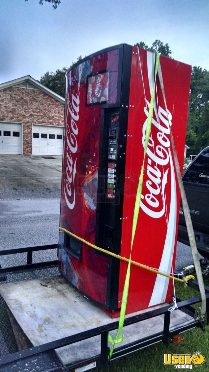 Dixie Narco 276E Electronic Soda Machines   Vending