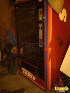 (1) - Tom's Electronic Snack Vending Machine!!!