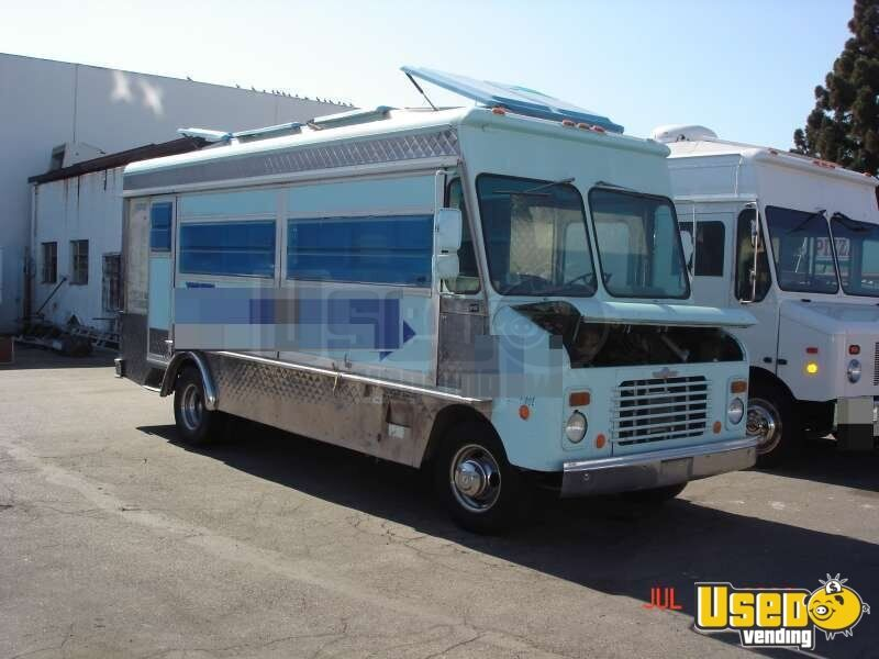 chevy catering truck aluminum catering truck retail food truck. Black Bedroom Furniture Sets. Home Design Ideas