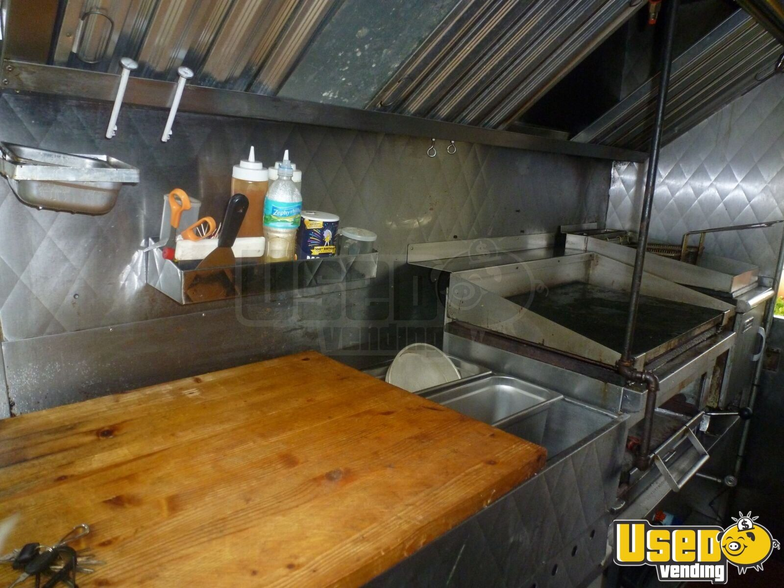 GM P130 Food Truck for Sale in Florida - 3