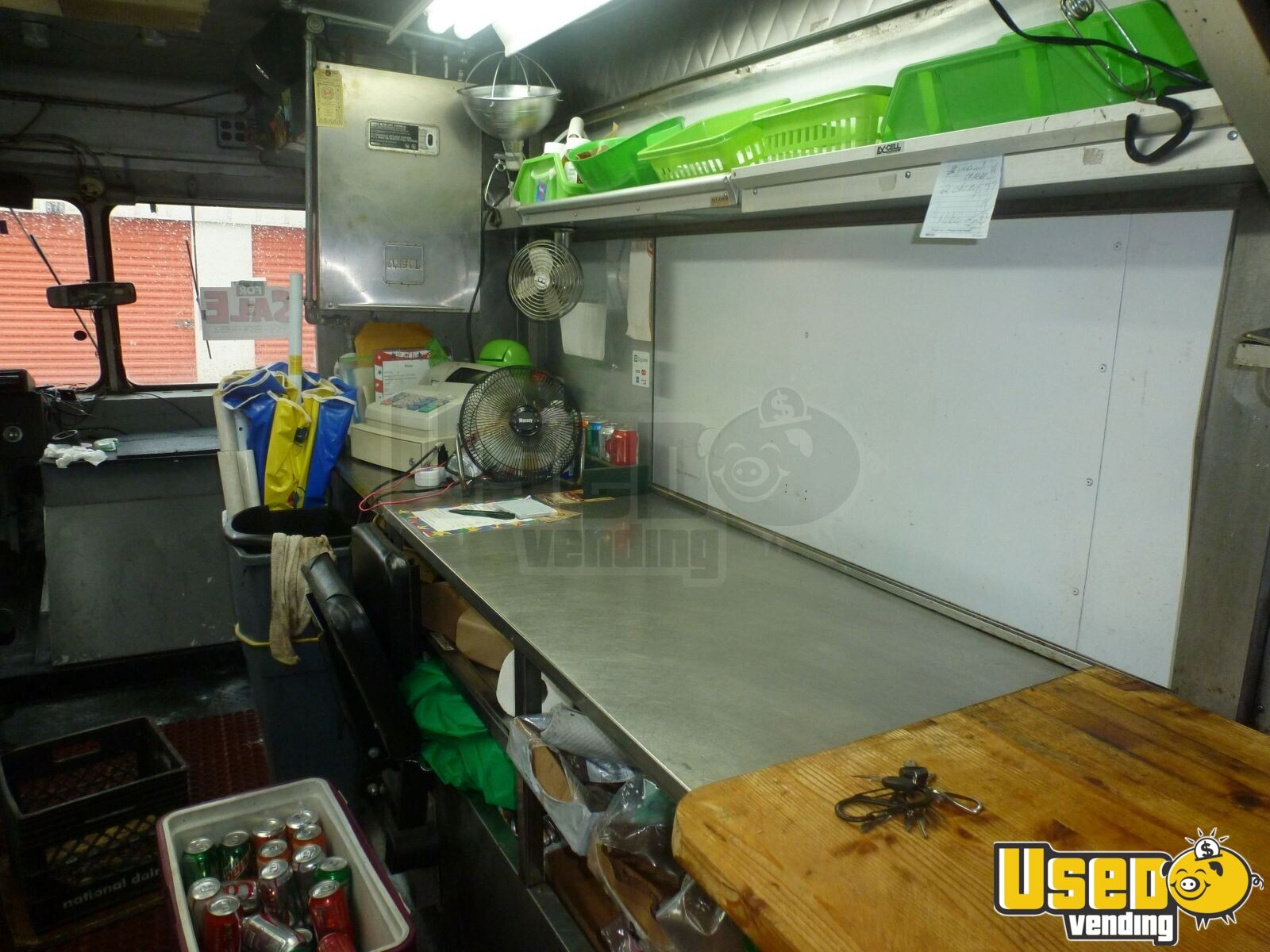 GM P130 Food Truck for Sale in Florida - 4