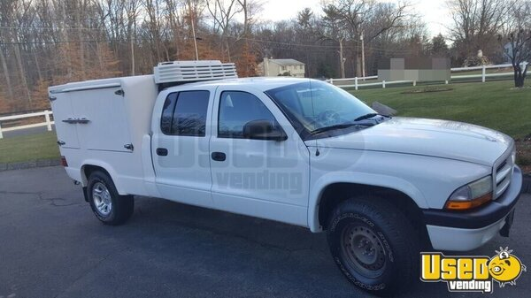 lunch serving truck catering truck for sale in connecticut. Black Bedroom Furniture Sets. Home Design Ideas
