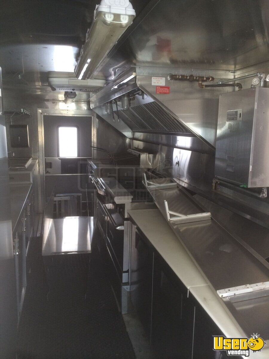 Freightliner mobile kitchen food trucks for sale in indiana for Table sae j 300 th 1999