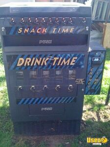 (1) - Dundas Mechanical Snack & Soda Combo with Changer + 1 Snack Only Machine!