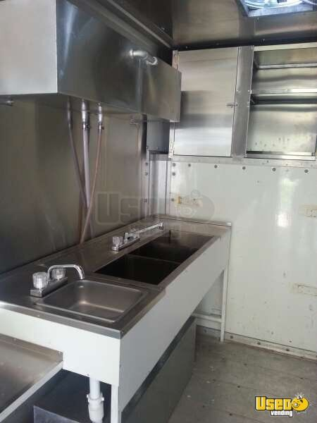 Ford Mobile Kitchen Food Truck for Sale in Texas - 16