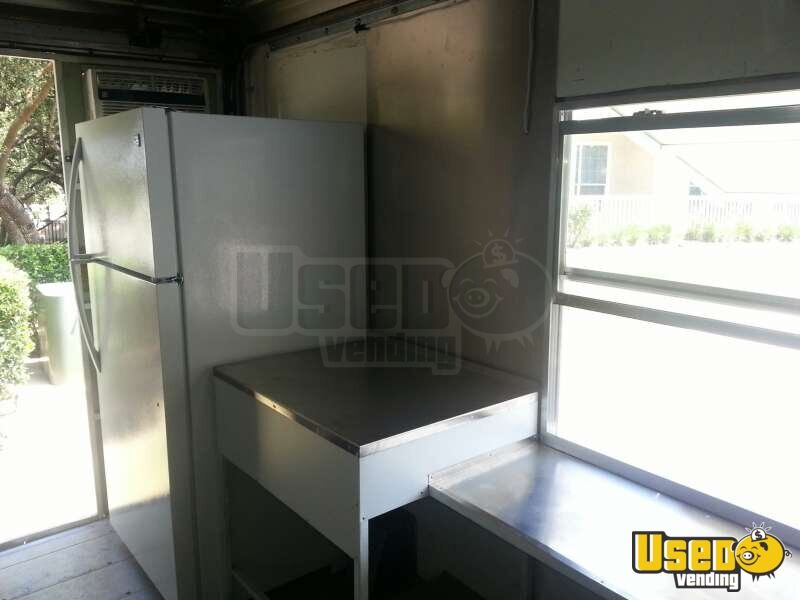 Ford Mobile Kitchen Food Truck for Sale in Texas - 31