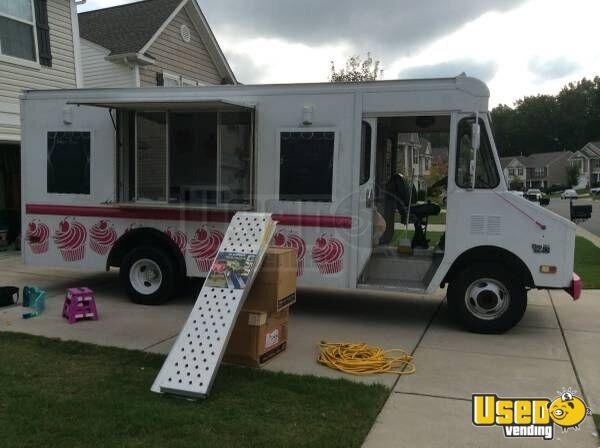 cupcake dessert bakery truck food truck for sale in south carolina. Black Bedroom Furniture Sets. Home Design Ideas