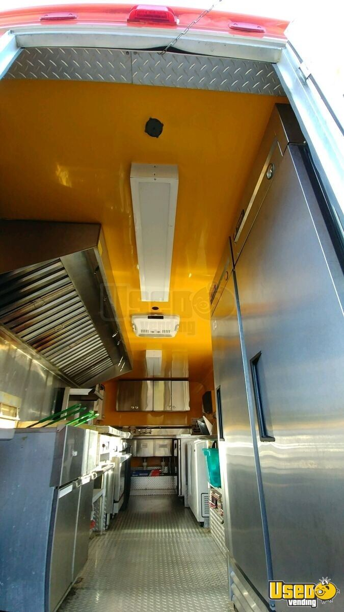 33' Freightliner Utilimaster Mobile Kitchen Truck for Sale in New Jersey - 4