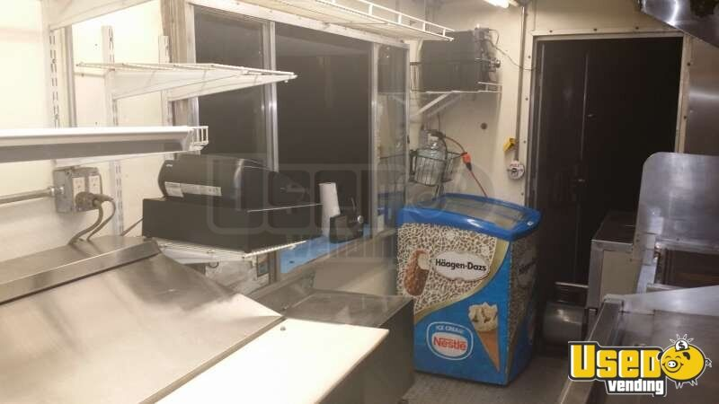 Chevy Workhorse Stepvan Mobile Kitchen Food Truck for Sale in Florida - 18
