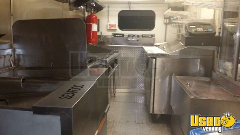 Chevy Workhorse Stepvan Mobile Kitchen Food Truck for Sale in Florida - 10