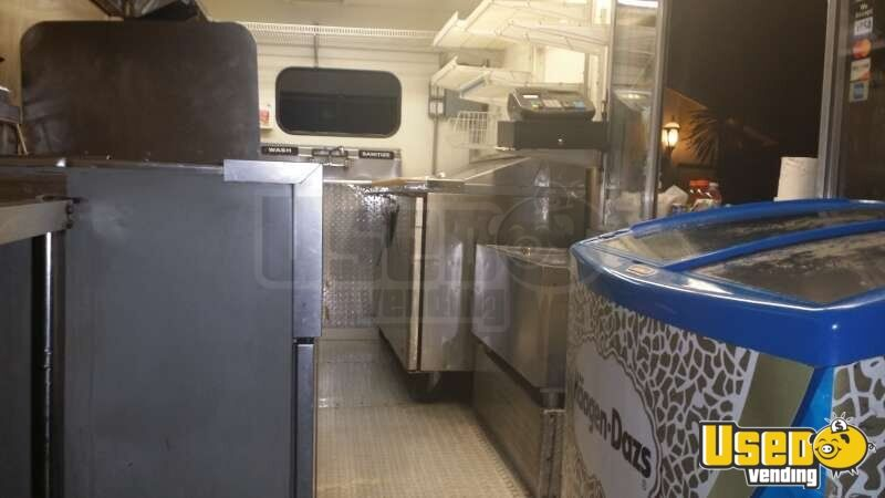 Chevy Workhorse Stepvan Mobile Kitchen Food Truck for Sale in Florida - 11
