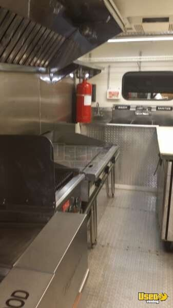 Chevy Workhorse Stepvan Mobile Kitchen Food Truck for Sale in Florida - 13