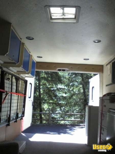 Ford E350 Food Truck for Sale in Oregon - 16