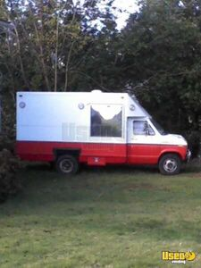 Ford E350 Food Truck for Sale in Oregon - Small 2