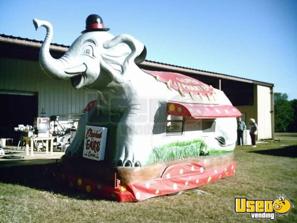 2002 - 22' Foot Elephant Concession Stand!!!