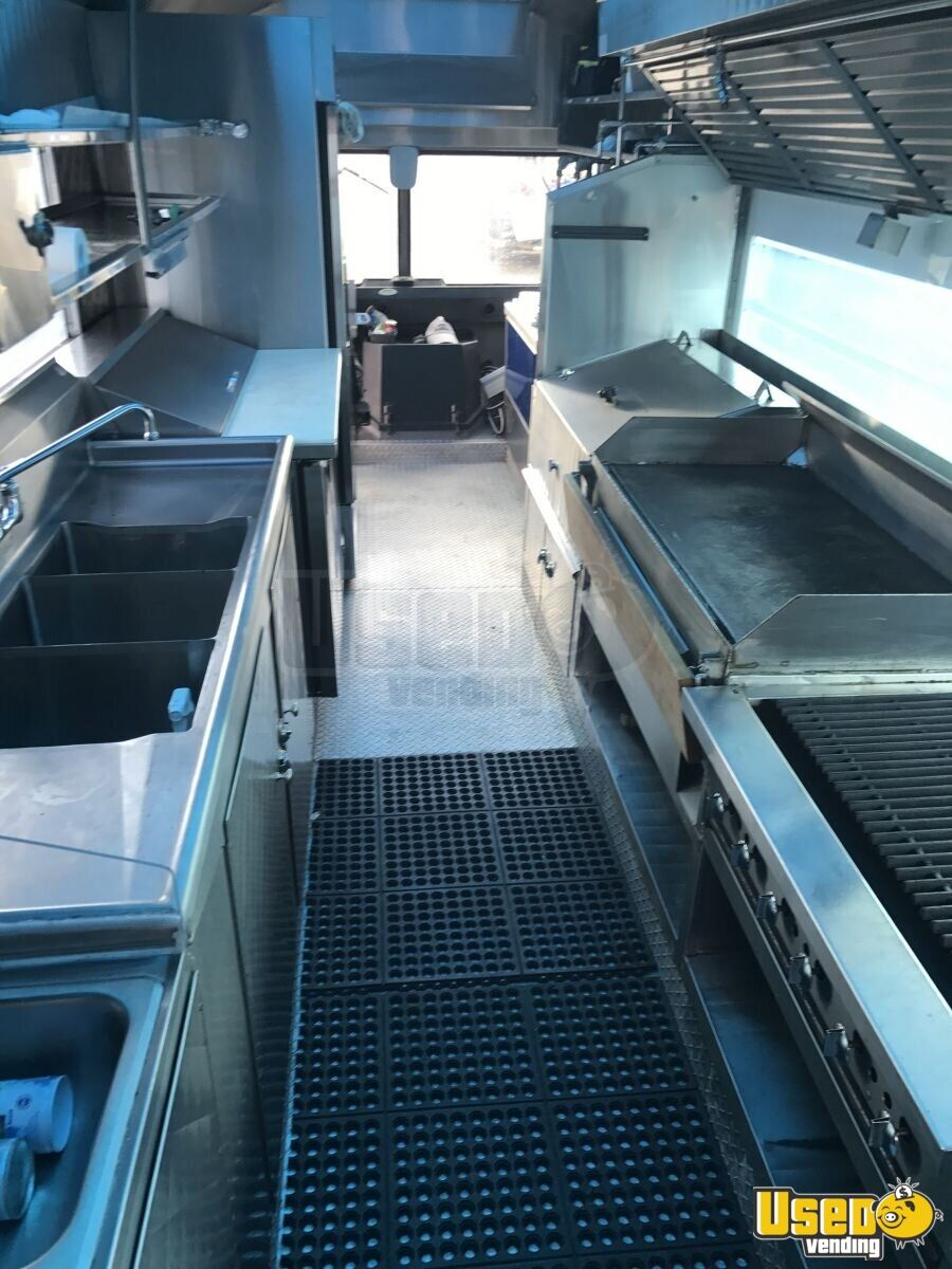 GMC Mobile Kitchen Food Truck for Sale in Illinois - 14