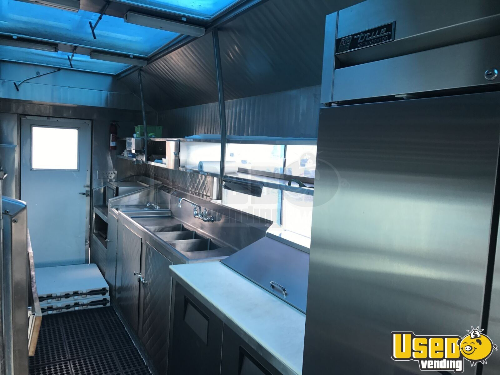 GMC Mobile Kitchen Food Truck for Sale in Illinois - 17