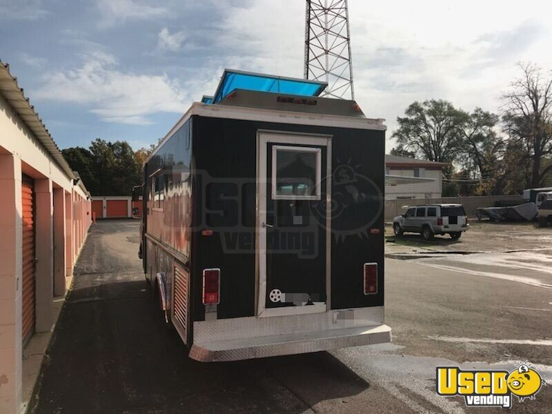 GMC Mobile Kitchen Food Truck for Sale in Illinois - 10