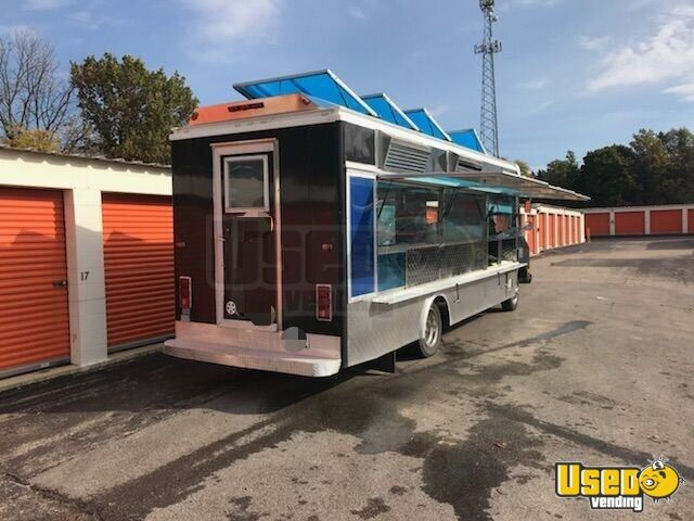 GMC Mobile Kitchen Food Truck for Sale in Illinois - 8