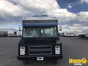 GMC Mobile Kitchen Food Truck for Sale in Illinois - Small 3