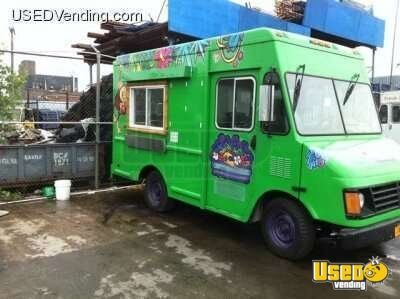 Chevy p30 food truck smoothie vending truck mobile for Food truck juice bar